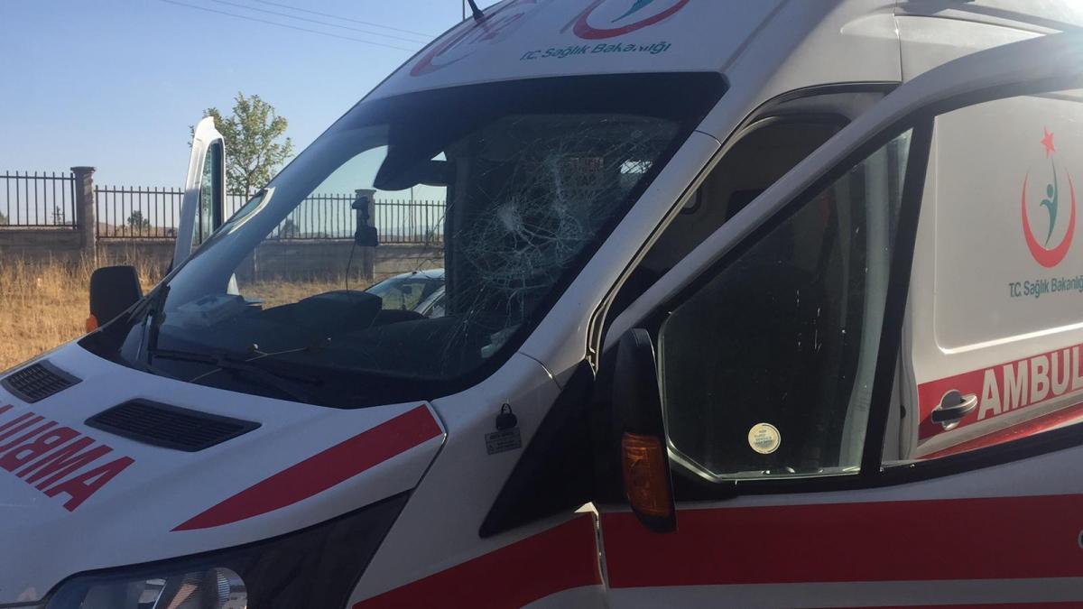 Bingöl'de 112 Acil Sağlık ekibine saldırı