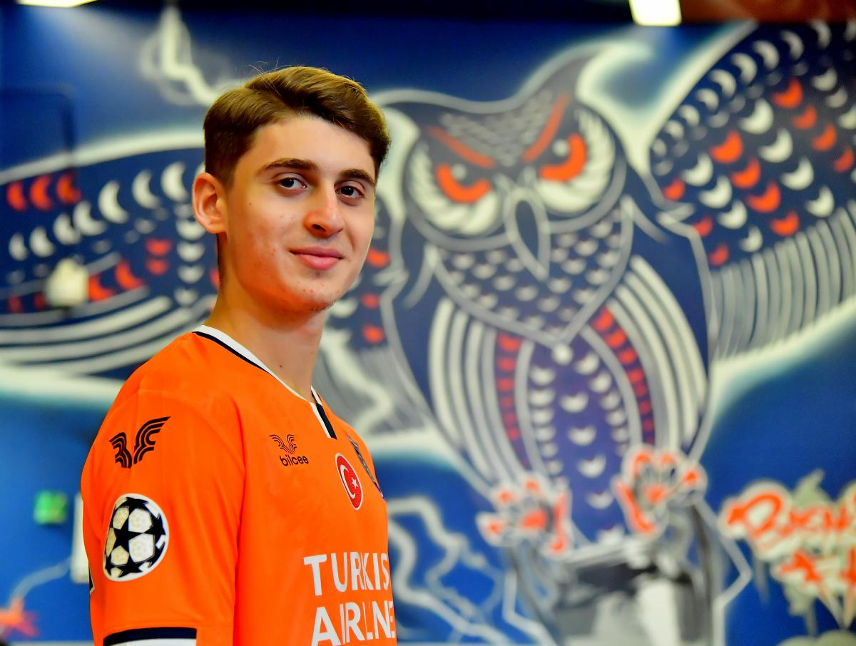 Başakşehir Ravil Tagir transferini açıkladı