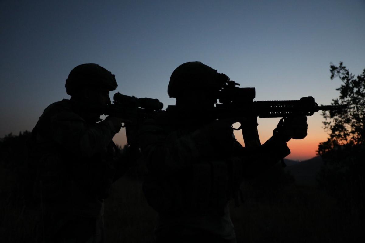 El Kaide bağlantılı terörist, eşi ve 3 çocuğuyla yakalandı