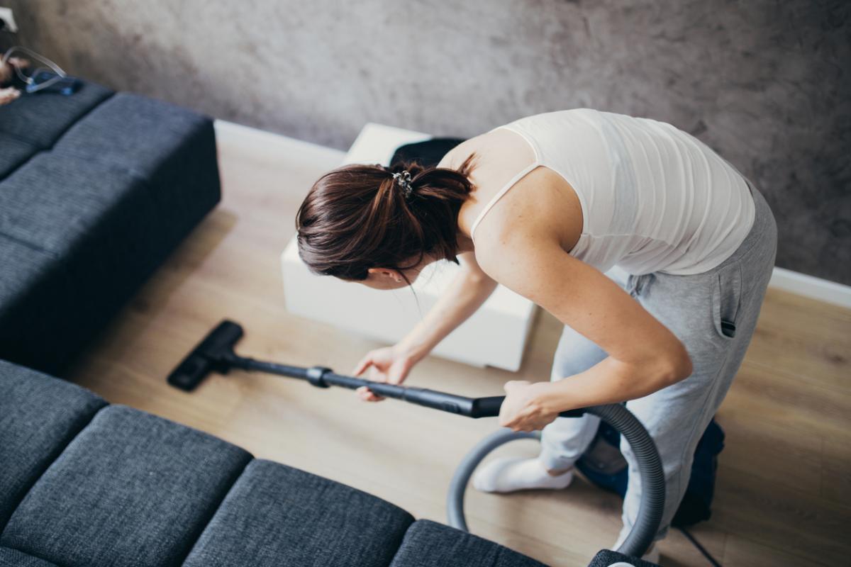 Ev temizliğinde bu hatalara düşmeyin!