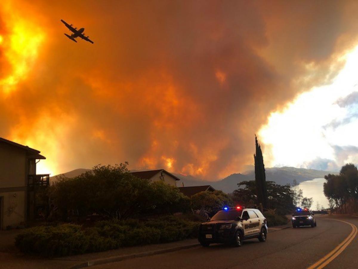 Kaliforniya'da iki yeni yangın