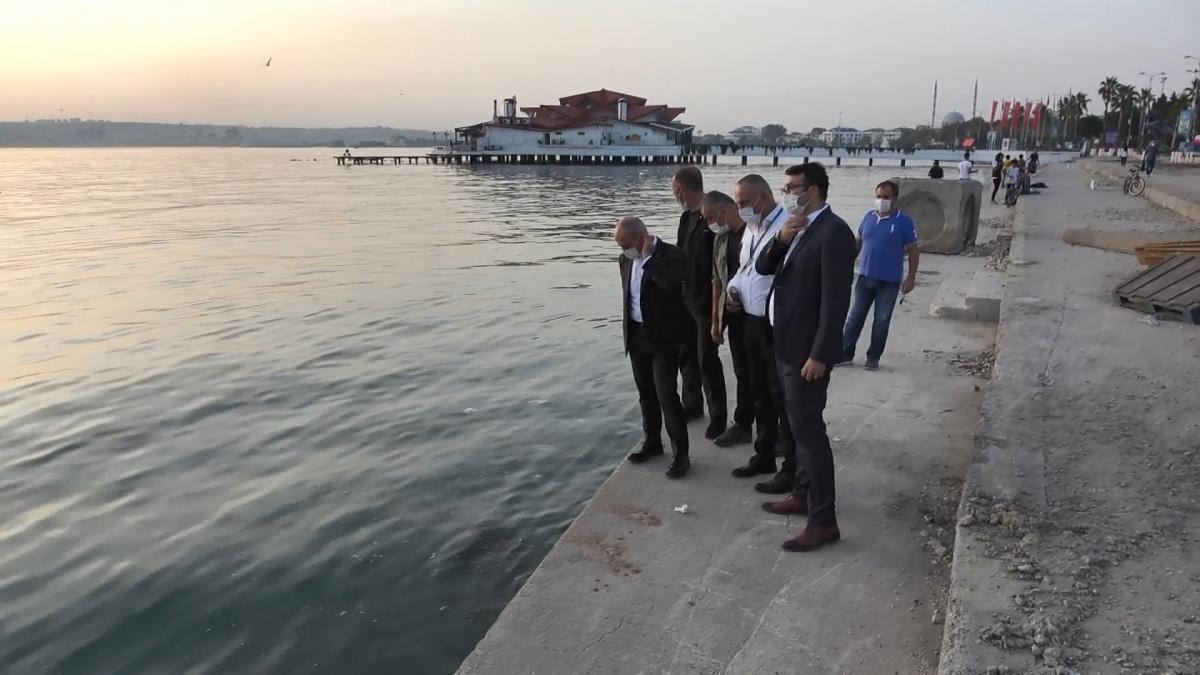 Büyükçekmece'de deniz kirliliği