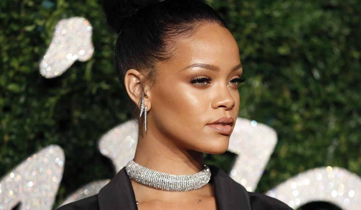 Rihanna'dan bir ilk! O listeye girdi