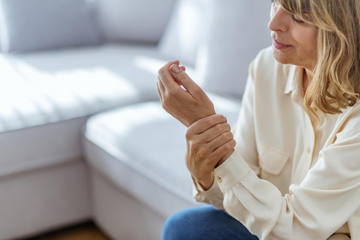 Zayıf ve solak kadınlar erken menopoz riski altında