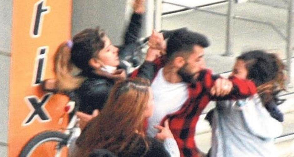 Üç kadın kavga etti, genç adamın imdadına polis yetişti!