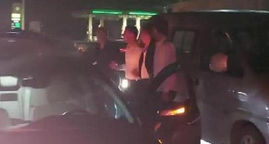 Pes dedirten olay! Kaza nedeniyle kapanan yolda 'halay' çektiler