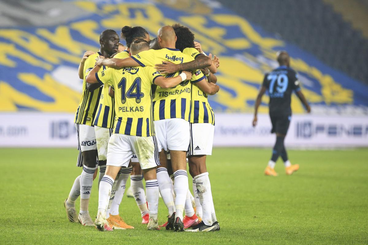 Fenerbahçe, Trabzonspor'u 3 golle geçti