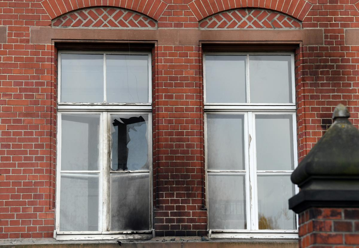 Robert Koch Enstitüsü binasına saldırı!