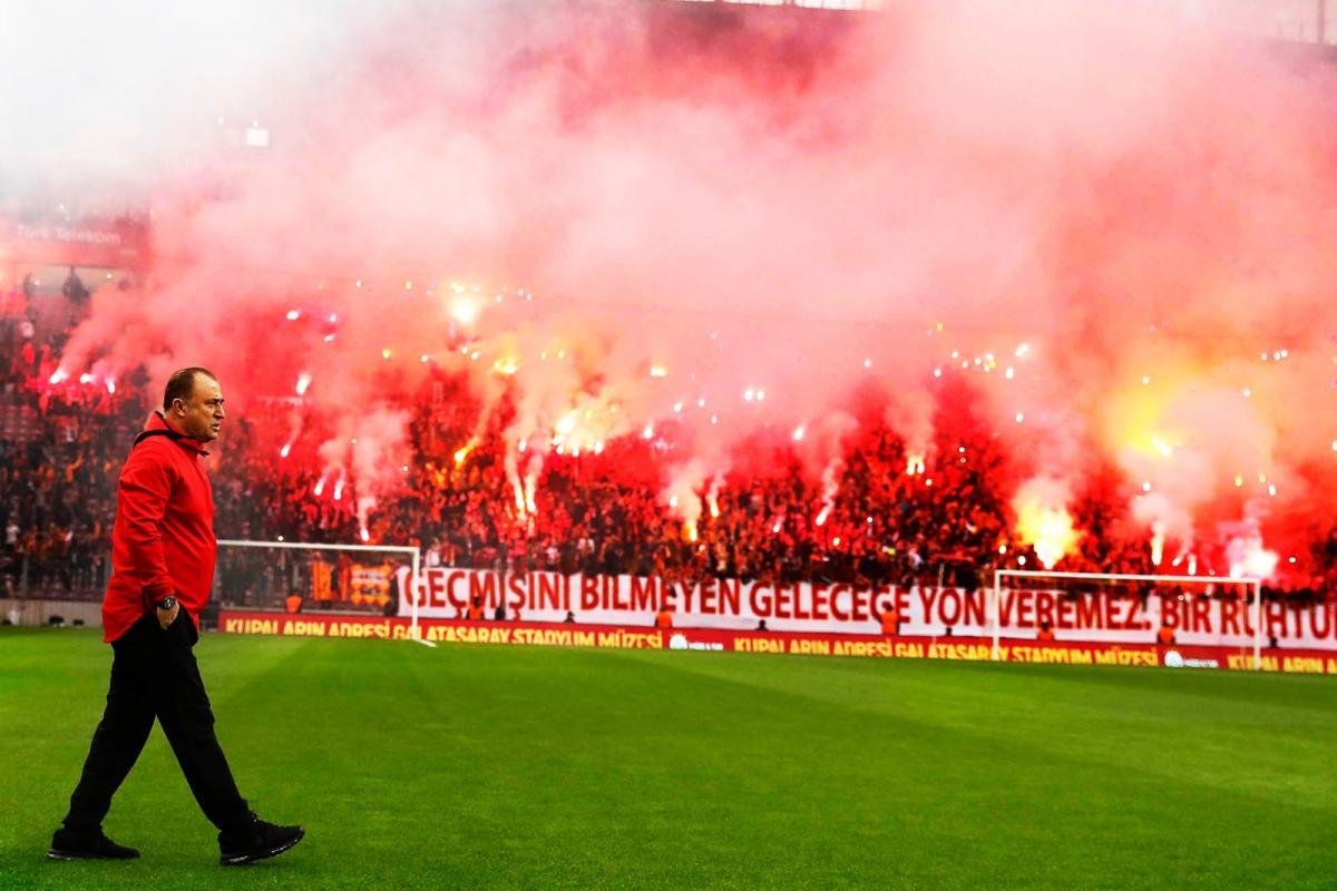Galatasaray'da kritik zirve tamamlandı