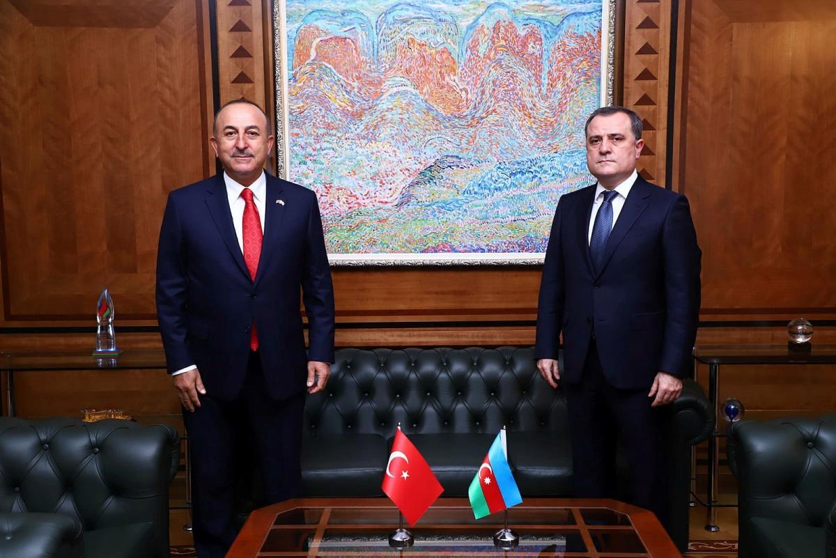 Çavuşoğlu mevkidaşı Bayramov ile görüştü