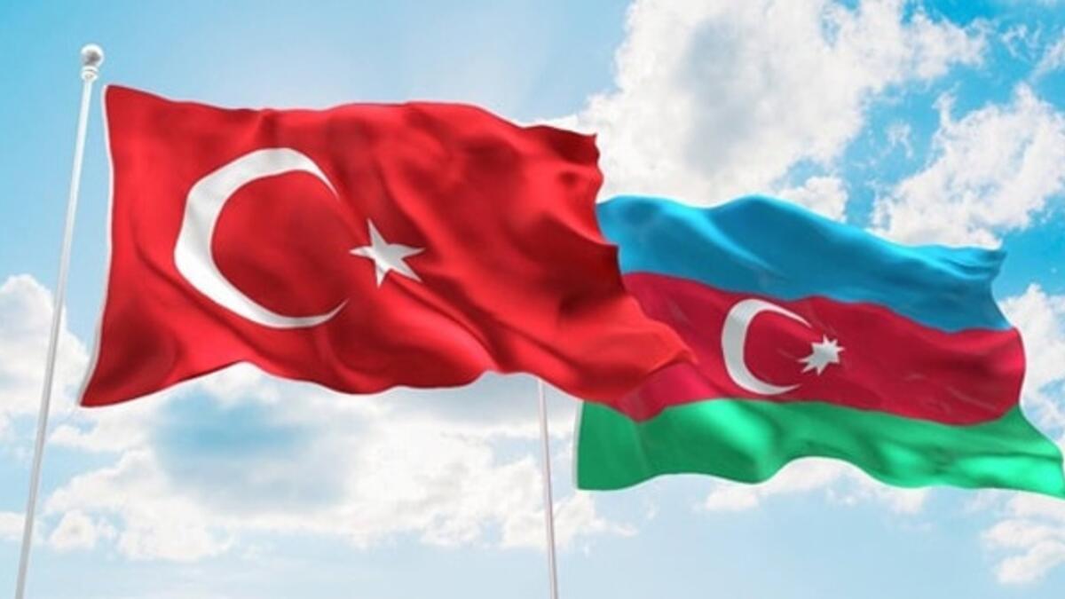Azerbaycan Başbakanı Esedov'dan deprem sonrası Türkiye'ye destek mesajı