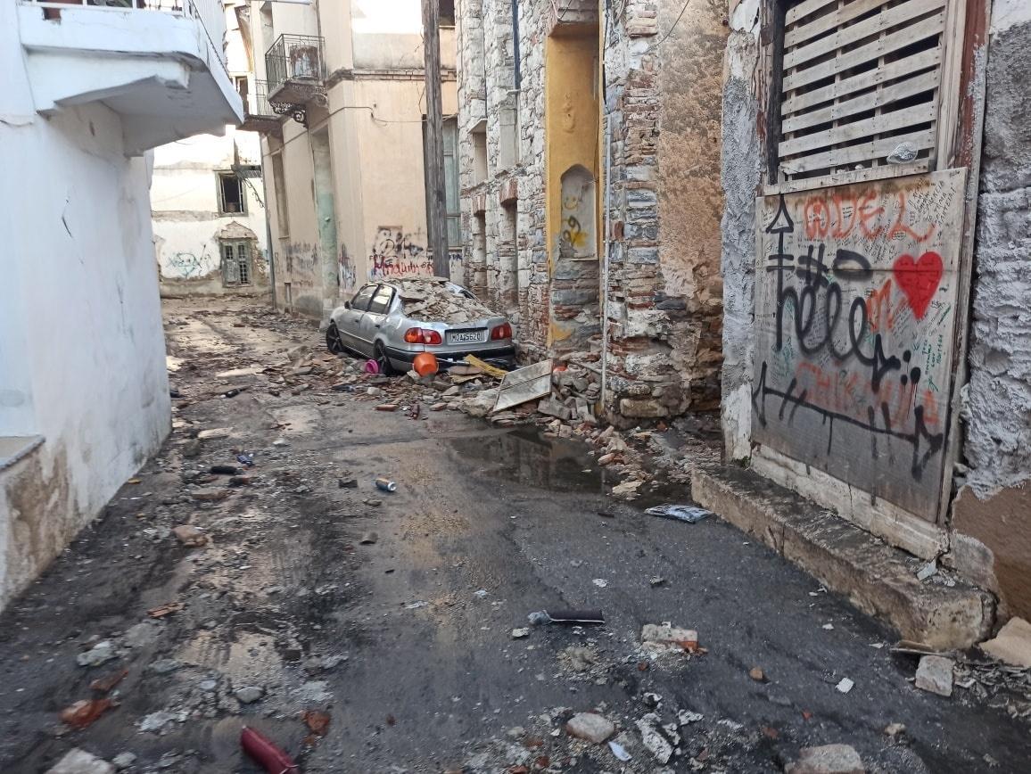 Deprem nedeniyle Sisam Adası'nda iki öğrenci hayatını kaybetti