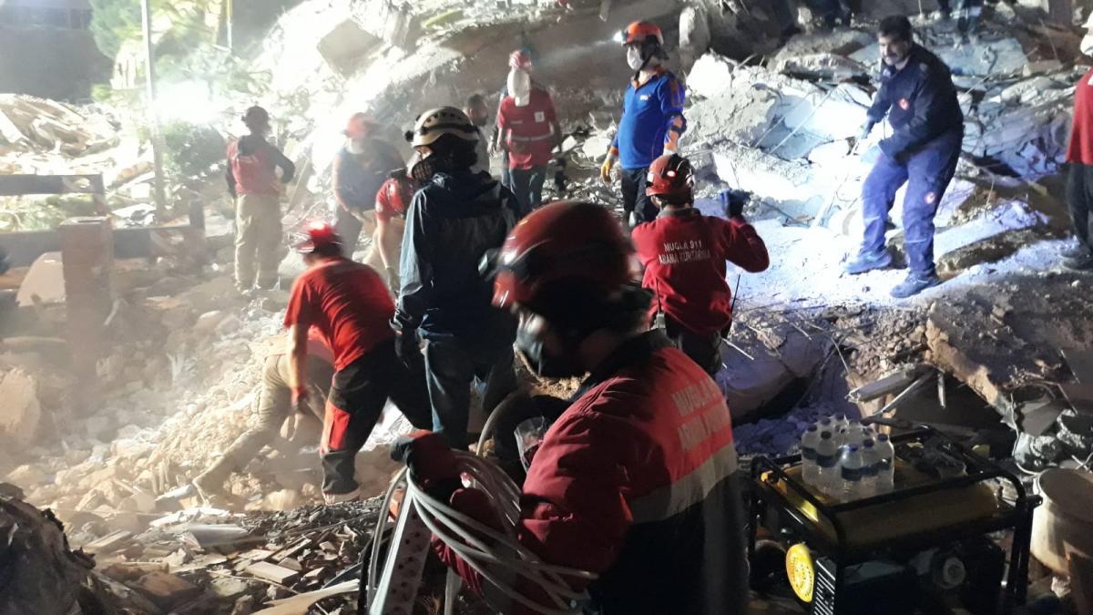 İzmir depremiyle ilgili 'çirkin' paylaşım yapanlara gözaltı