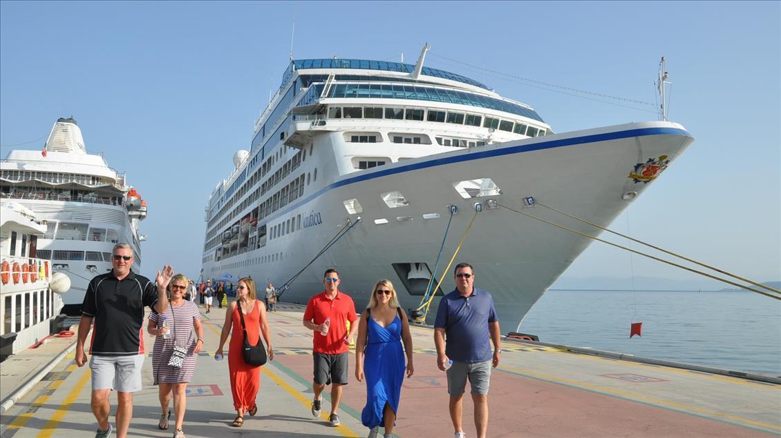 Turizm geliri gerilemeye devam ediyor