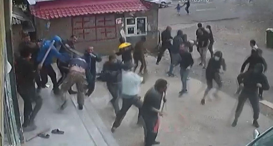 Ortalığın savaş alanına döndüğü kavga kamerada